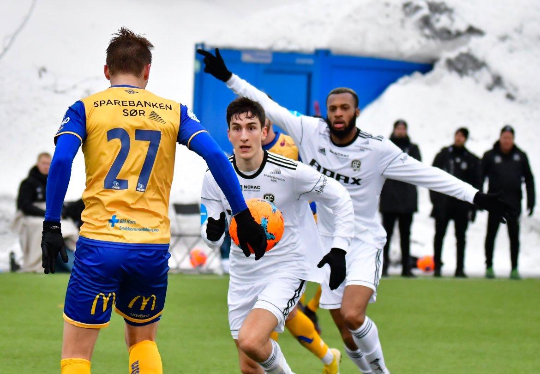 Nysigneringene Ilir Kukleci og Reiss Greenidge fikk er tøft møte med Jerv i sitt første lokalderby for Arendal Fotball.
