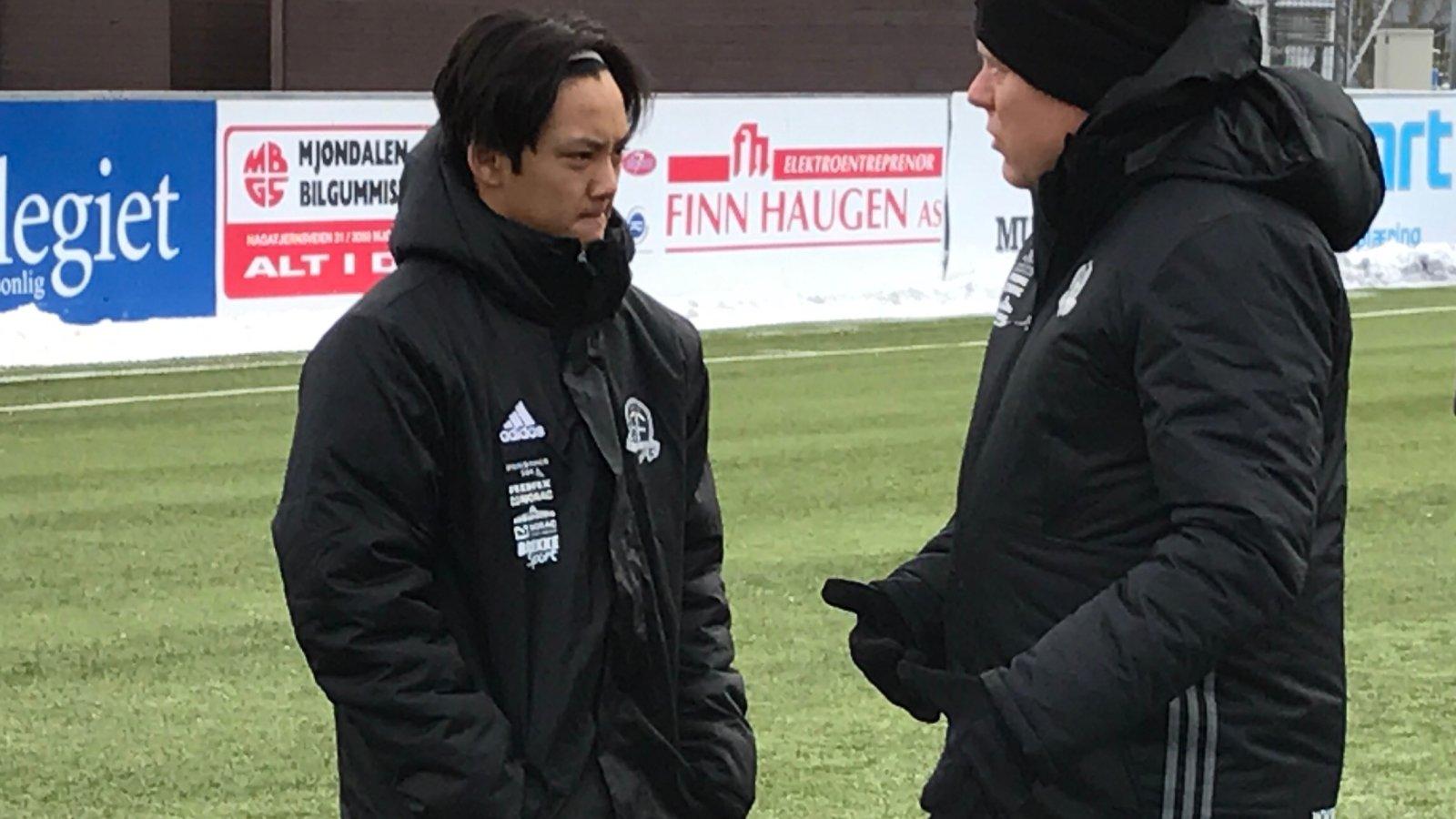 17 år gamle Tasso Dwe har startet de to siste treningskampene for Arendal. Han er også med Frank Bredal og resten av troppen til Sandnes denne helgen.