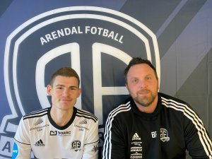 Preben Skeie sammen med assistenttrener Bjørge Fedje.