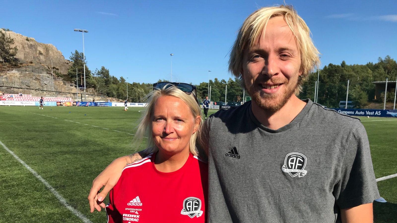Beate Mathisen overtar Thomas Selands arbeidsoppgaver i Arendal Fotball når han nå skal fullføre sin fagutdanning.