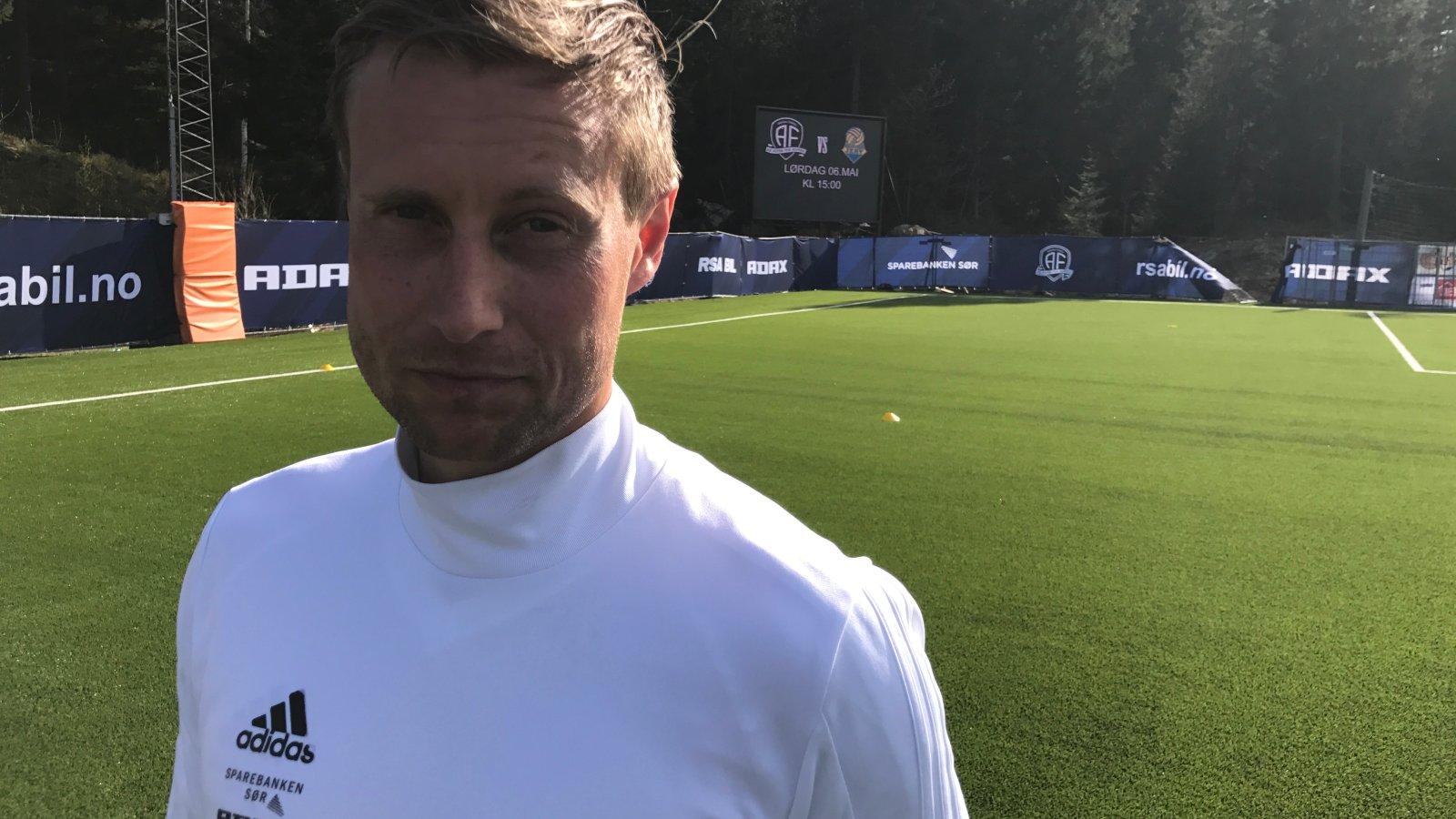 Sven Fredrik Stray gleder seg til årets første lokaloppgjør!