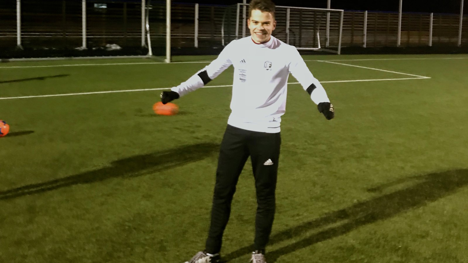 "Anders Hella ble første vinner i konkurransen ""månedens spiller"" i januar 2018."