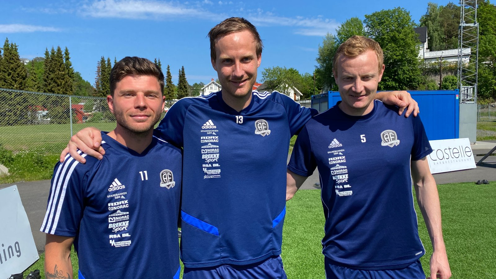 Ermal Hajdari, Sune Kiilerich og Christer Reppesgård Hansen er årets kaptein-team for Arendal Fotball.