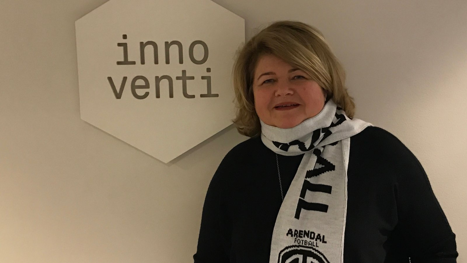 Sidsel Pettersen og Innoventi forlenger samarbeidsavtalen med Arendal Fotball.