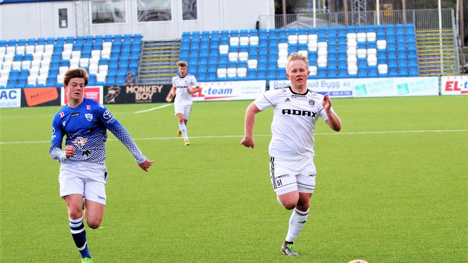 Michael Bothne Bleika og juniorlaget til Arendal Fotball røk ut for Start i 2. runde av NM for G19. Her fra en kamp mot Søgne.