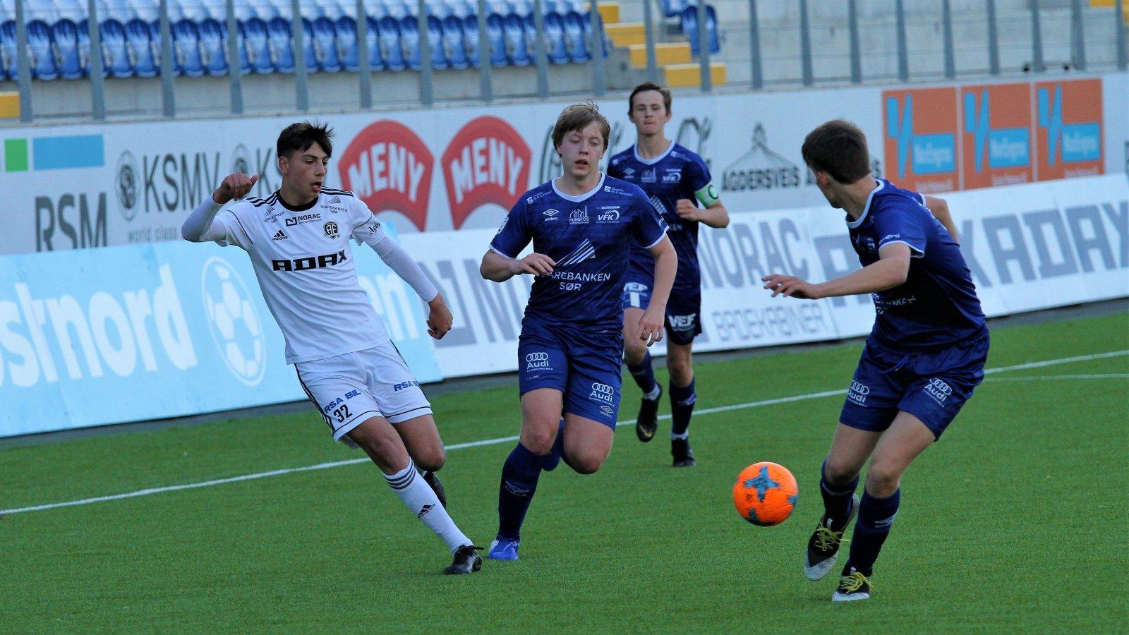 Sijam Nuri i aksjon for juniorlaget mot Vindbjart.