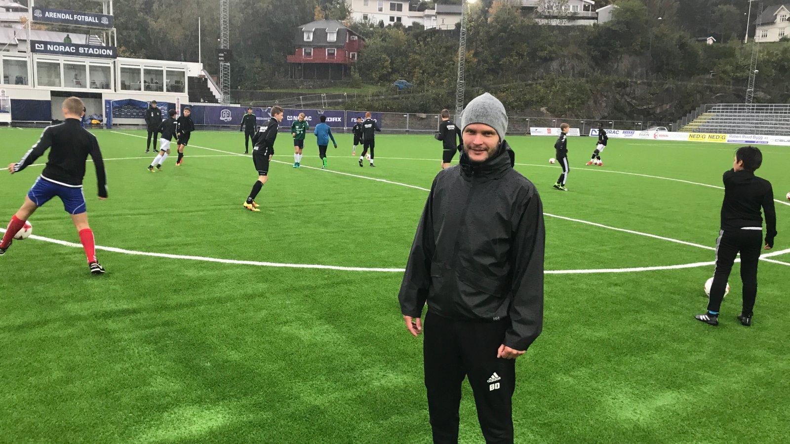 Øyvind Dalseth ledet lørdagens talentsamling på Norac stadion.