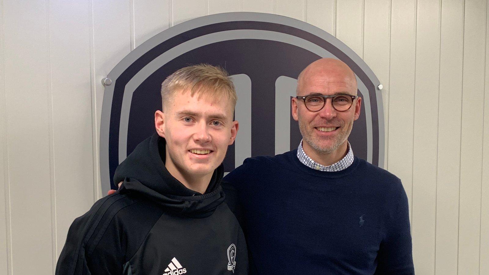 Steinar Pedersen har tro på at Stian Debess kan utvikle seg til å bli en spennende Arendal-spiller de kommende årene.