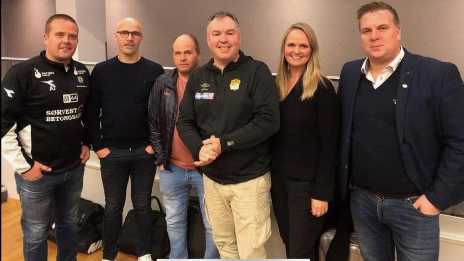 Fra venstre: Asle Tjøtta (daglig leder i Bryne), Steinar Pedersen,  Trond-Arild Olsen (adm.konsulent i Egersunds IK), Knut Erlend Jegersen (daglig leder, Stjørdals-Blink), Helene Arnø (styreleder i Stjørdals-Blink) og  Andreas Holmberg (sportssjef i Levanger).