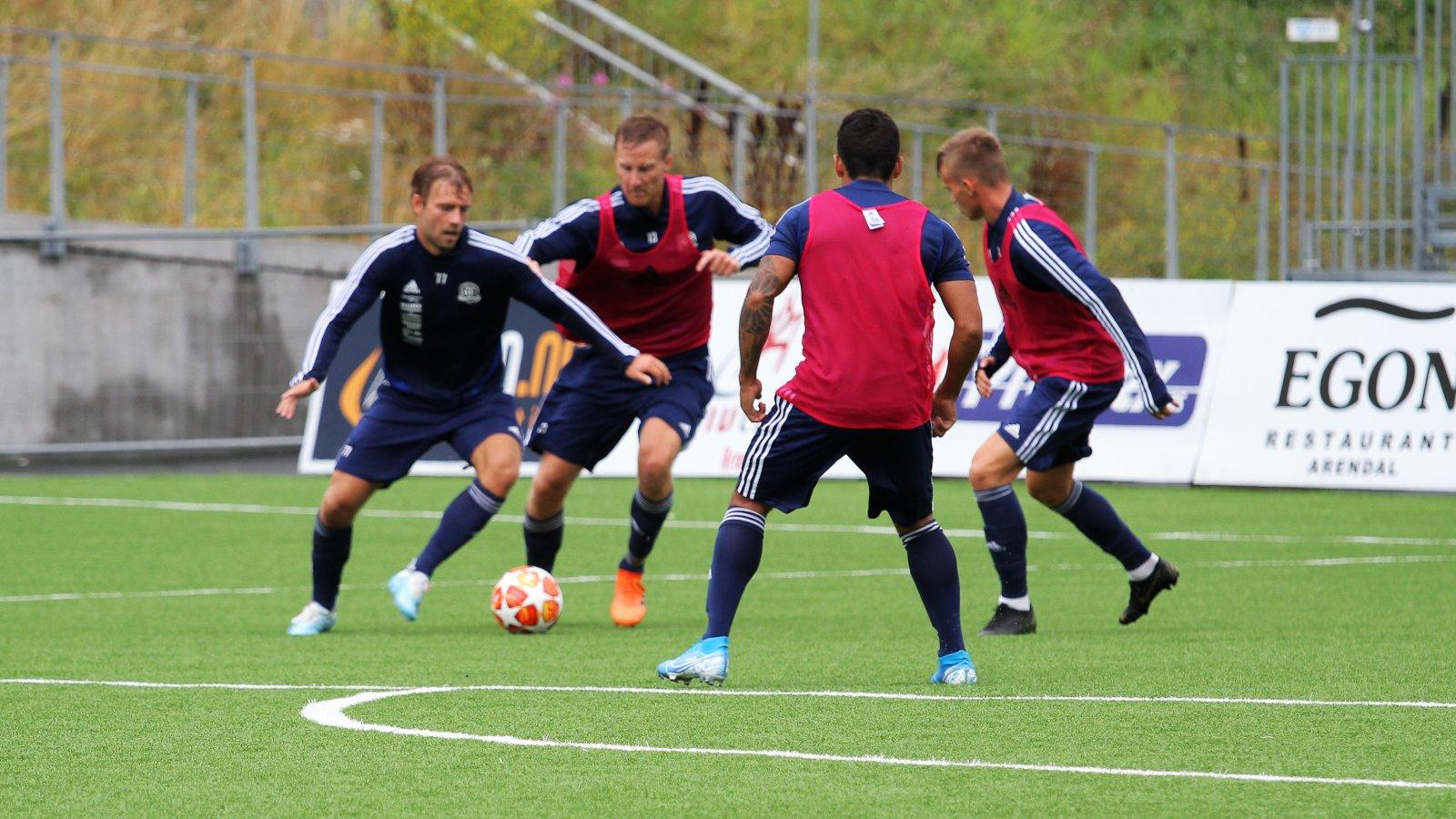 Mads Nørby Madsen mot Sune Kiilerich og Conrad Wallem på trening før kampen mot Kvik.
