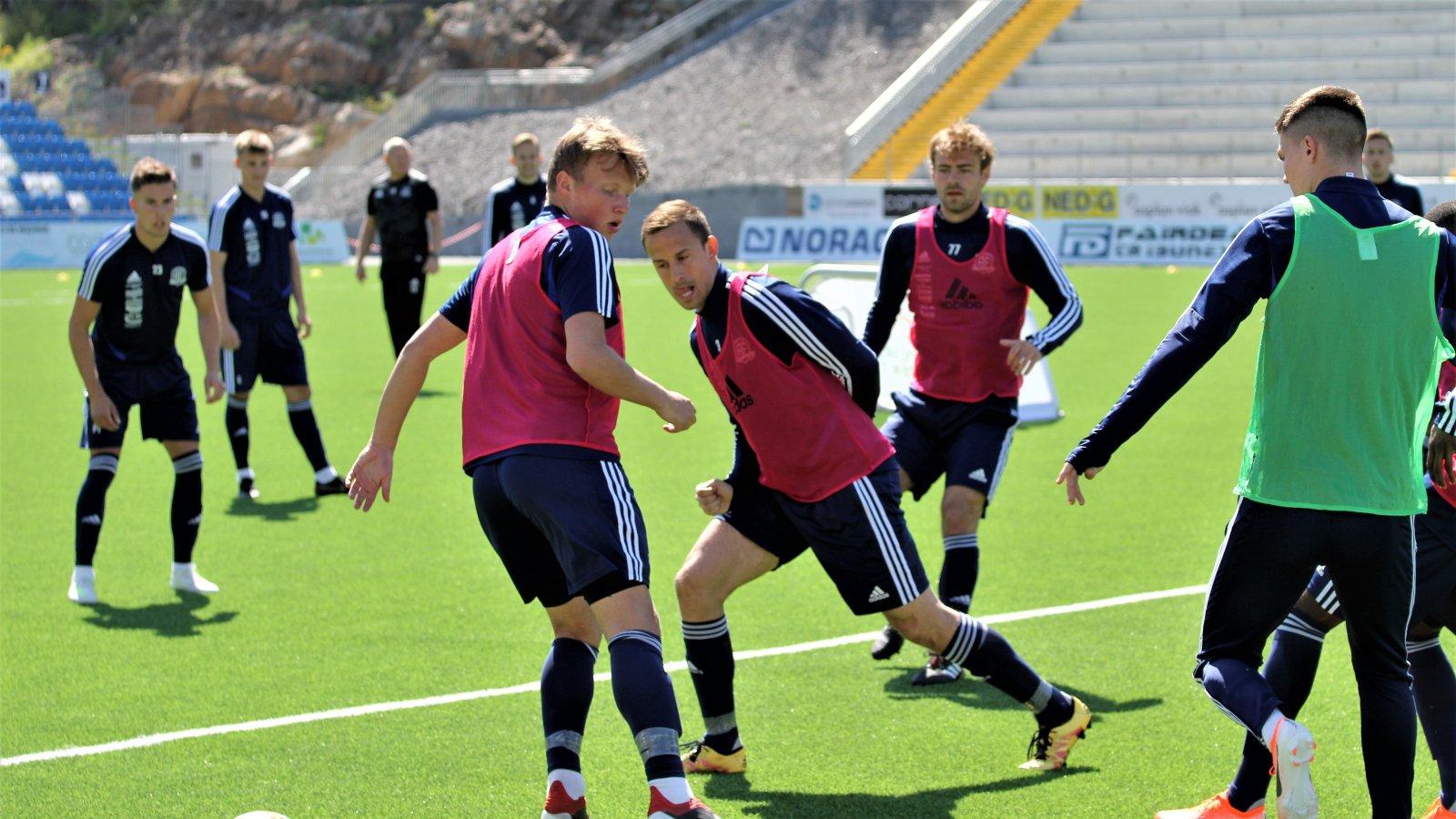Dejan Corovic på trening foran møtet med Vidar 16. mai.