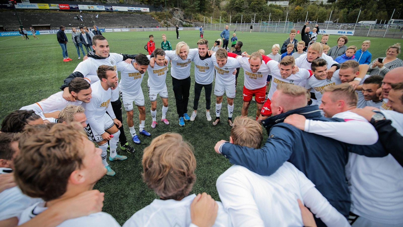 Etter 6-1 mot Ørn på hjemmebane, kunne Arendal slippe jubelen løs: Opprykket til Obosligaen var et faktum!